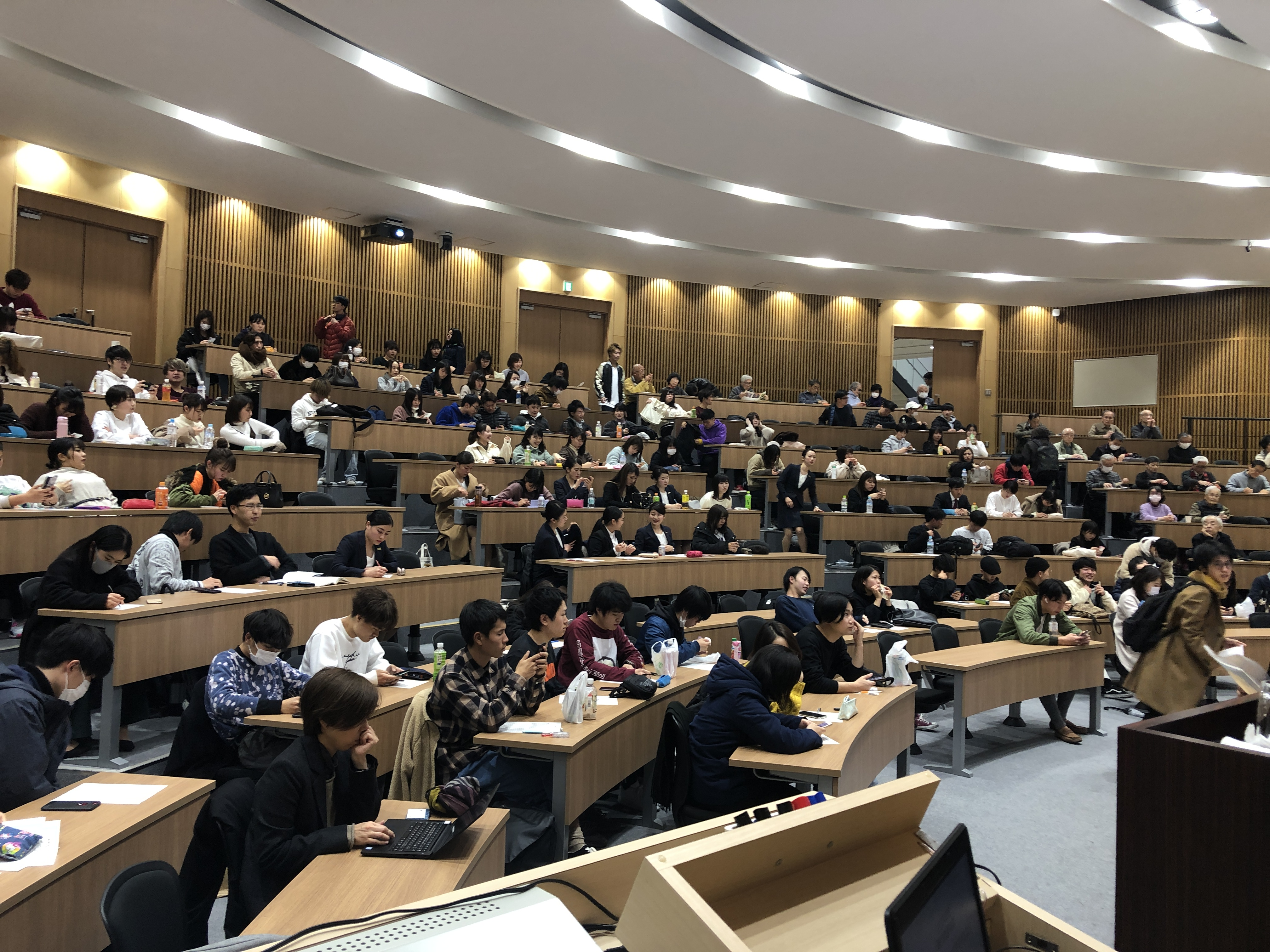 亜細亜大学『現代教養特講(武蔵野市寄付講座)』にて講義を行いました。